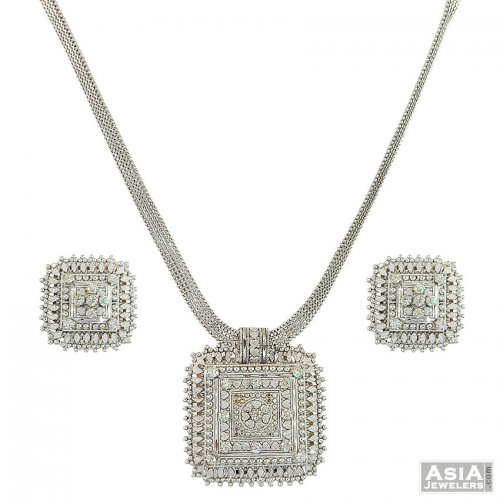 22K WG Traditional Necklace Set