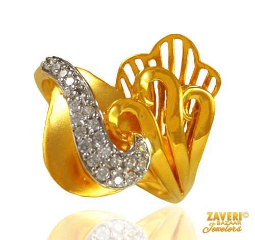 22 kt Gold Ring with CZ