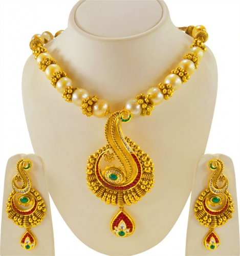 22 Karat Gold Antique Set