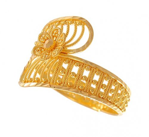 22K Gold Filigree AjRi 22K Gold Ring with mild diamond
