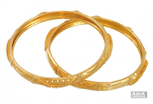 21 Kt Gold Bangles 2 pcs AsBa54531 21 kt Gold Bangles with