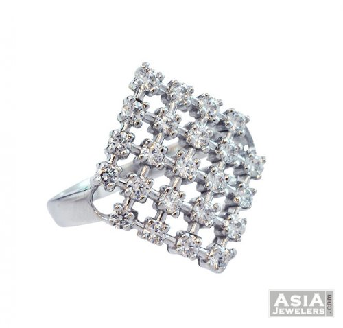 Diamond Shaped Signity Ring 18K