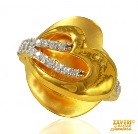 Gold Fancy Signity Ring