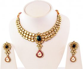 22k Antique Kundan Set