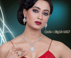 18k Diamond Set with Changeable Color Stones ( Zaveri Bazaar Signature Collection 2013 )