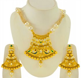 22 Kt Gold Designer Antique Set