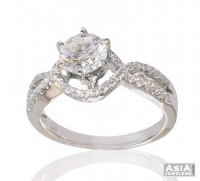 Solitaire Engagement Ring 18K Gold