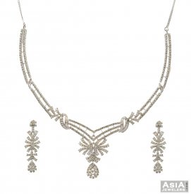 Diamond Studded 18k Necklace Set