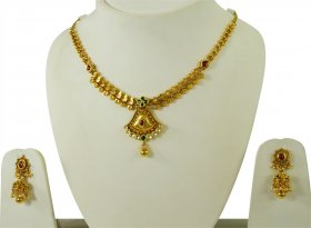 Beautiful Gold Antique Necklace Set ( 22K Antique Necklace Sets )
